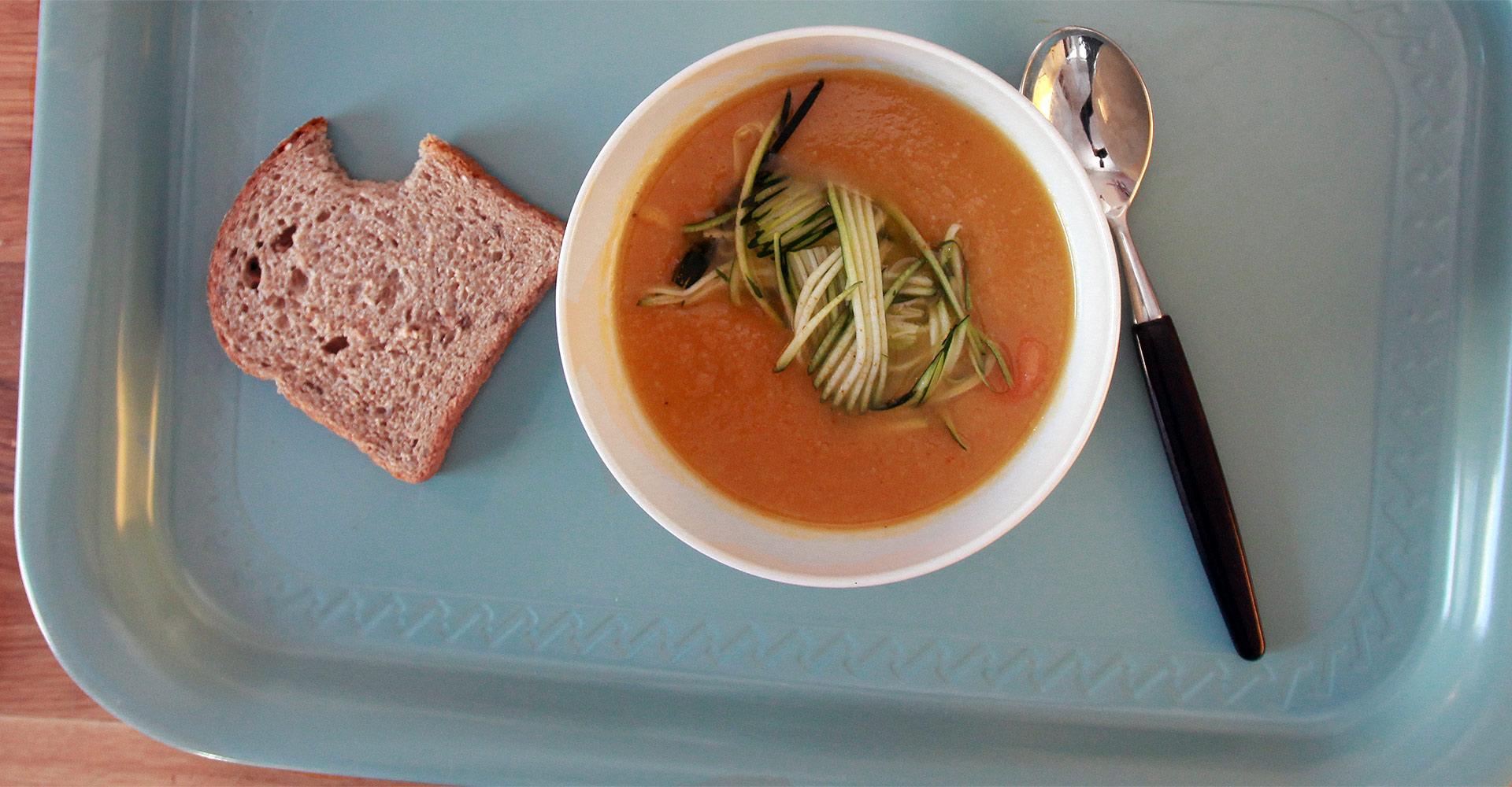 picutre of a bowl of soup